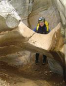 Marmita perforada en el cañon de Kakoperato.- Foto: Cortesía de Laura Samsó y Joan L. Haro