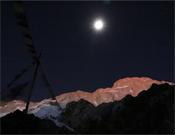 El Makalu, de noche.- Foto: Cortesía de Simone Moro