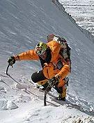 Simone durante uno de sus intentos invernales al Broad Peak.- Foto: Cortesía de Simone Moro