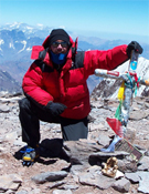 En la cima del Aconcagua.- Foto: Col. A. Sánchez