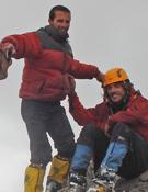 Fernando Arnaudi y Ariel Di Carlantonio en la cumbre del Cerro Ameghino. Foto: Ariel Di Carlantonio.