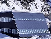 Vista del nuevo refugio en el Klein Matterhorn.