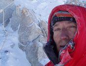 Zerain después de hacer cumbre en la zona de la cresta