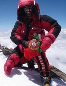 Joao García haciendo cumbre en Nanga Parbat