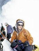 Araceli Segarra en la cueva del Campo I. Expedición al K2 (Cara Norte. China)en el 2000. Foto: Desnivelpress