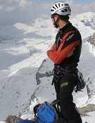 Un montañero en la cumbre del Monte Perdido, Pirineos