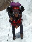 Sherpa en la aproximación al CB del K2. Foto: Darío Rodríguez