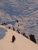 La arista bien cargada de nieve. Foto: GMHM