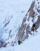 Aartun, en las interminables pendientes de hielo de 60º. Foto: Colin Haley