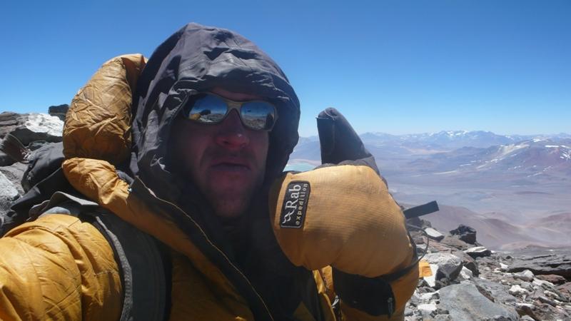Maximo Kausch en la cumbre del Bonete Chico (6.772 m)