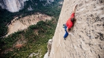 Tommy Caldwell escalando la Wino Tower en el 'Dawn Wall' (Yosemite)