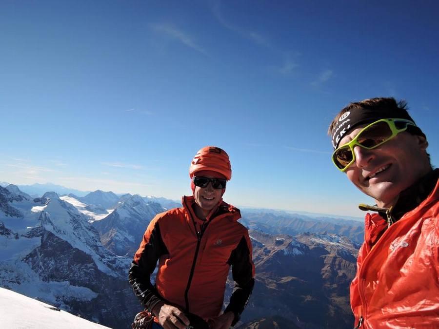 Kilian Jornet y Ueli Steck en la cumbre del Eiger