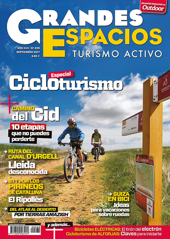Portada de la revista Grandes Espacios nº 235. Especial Cicloturismo. Septiembre 2017.